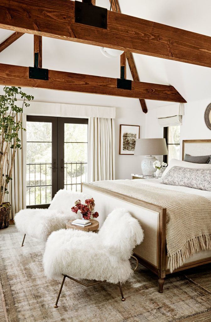 How To Pick The Right Size Rug For Your Bedroom Lost Luxe